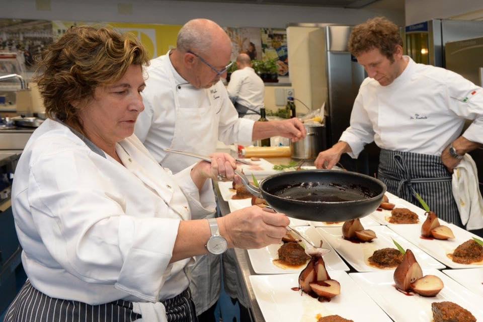 Un momento della sfida culinaria