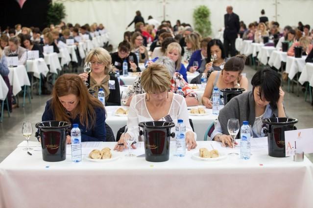Concorsi del vino con giuria femminile