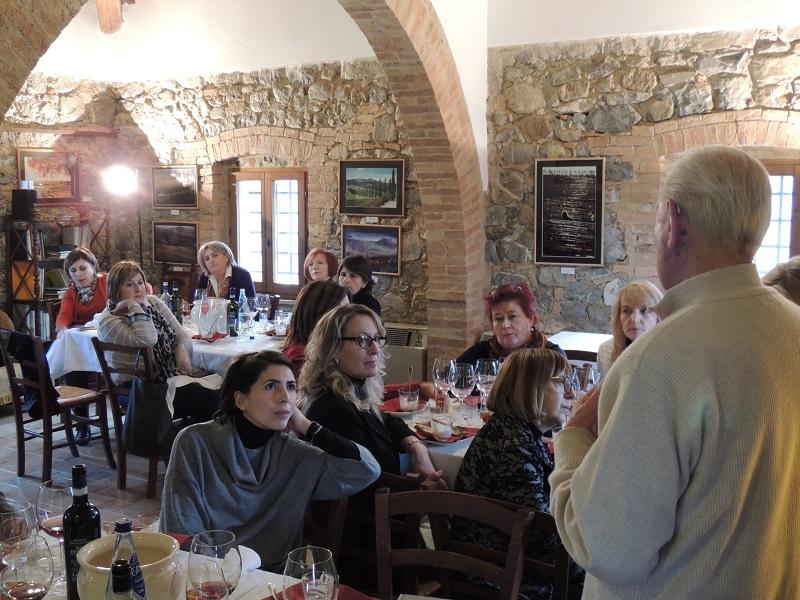 Giovanni Bartolozzi racconto la storia della Vetreria Etrusca alle Donne del Vino