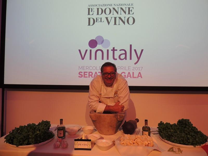 """Lo chef genovese Roberto Panizza e """"il pesto che non esiste"""""""