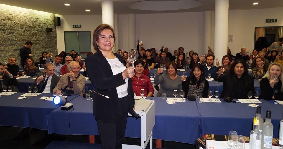 Gladys Torres Urday, presidente de Las Damas del Pisco