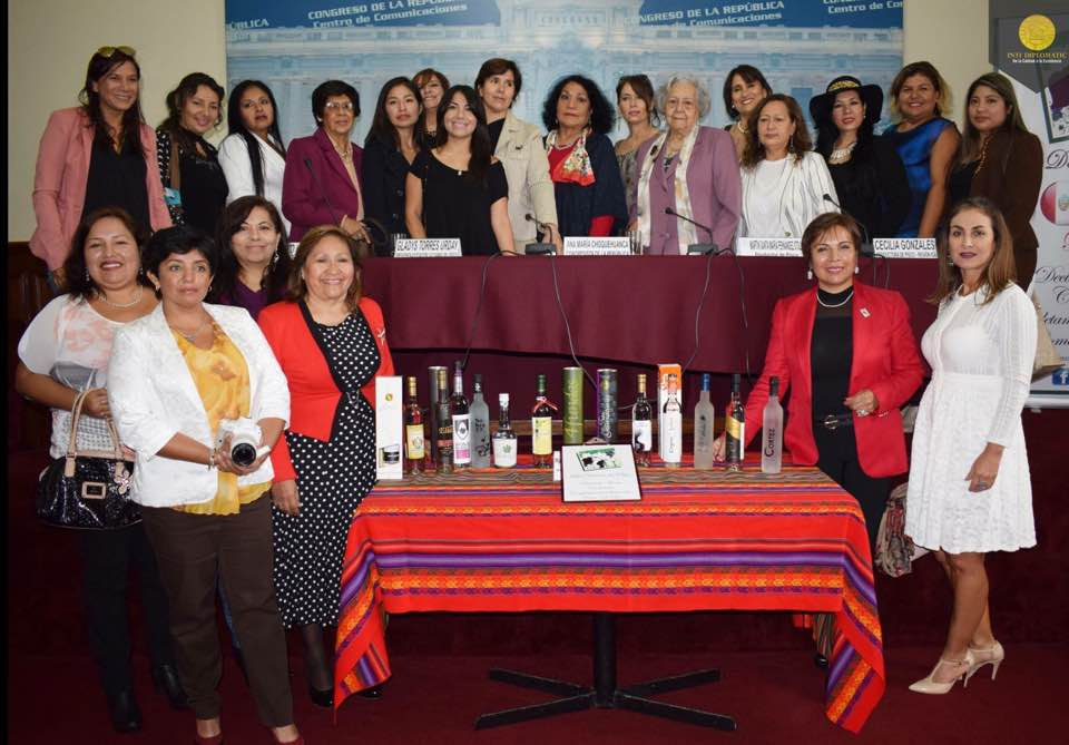 Las Damas del Pisco incontrano le Donne del Vino