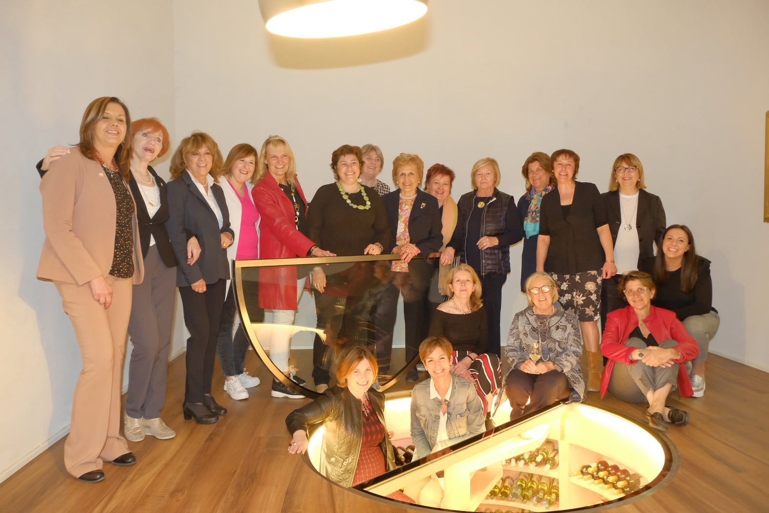 Donne del Vino in assemblea ospiti della socia enotecaria Paola Longo…anche un'asseblea diventa un'emozione